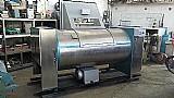 Lavadora de roupas / maquina de lavar industrial 100 kg.