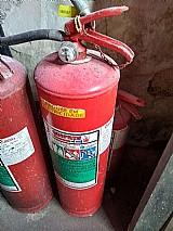 Extintor de incêndio usado de pó 4 kg cheios, 1 pó 4 kg vazio, 1 po 6 kg cheio, 2, ap-10 lts