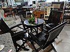 Mesa com 04 cadeiras em madeira