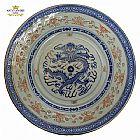 Prato de porcelana chinesa,  dragao com relevos em forma de arroz