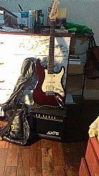 Guitarra semi-nova com amplificador e capa