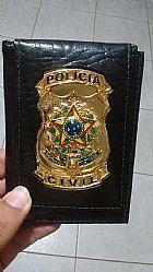 Carteira com distintivo policia civil