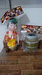 Chaves com barril ioiô e sanduiche de presunto