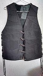 Colete de couro legitimo p m g gg preto com bolso interno e ajuste nas laterais com fecho mosquetao