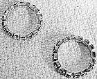 Par de aneis fio de strass brilhante cor prata,  tamanhos ajustaveis 18 a 20.