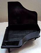 Piano porta bijuterias ou objetos de uso do dia a dia,  tampa cor preta,  medidas no texto