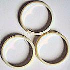 Braceletes / pulseiras cremes perolados irisados,   conjunto com 3 unidades