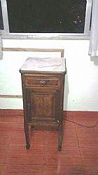 Par criado mudo antigo em marmore carrara