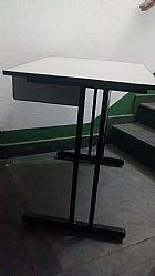 Mesas,  armarios,  gaveteiro e cadeiras