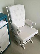 Cadeira para amamentacao moderna super conservada