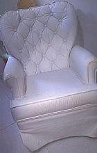 Cadeira amamentacao na cor branca , giratoria cadeira amamentação abracadabra