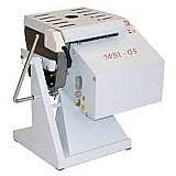 Amassadeira basculante 05 kg - gastromaq