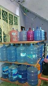 Galoes de agua 20 litros, 2 litros e 5 litros