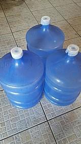 13 galoes de agua