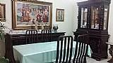 Sala de jantar antiga completa