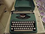 Maquina de escrever olivett lettera 82