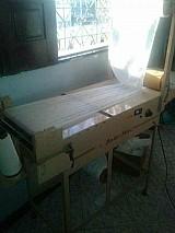 Maquina para fabricacao de fraldas descartaveis