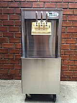 Maquina de sorvete expresso italiano conservada