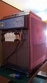 Maquina de sorvete expresso com 3 meses de uso