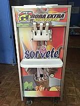 Maquina de sorvete expresso semi nova