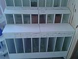 Pet box em madeira,  com vidros ,  8 reparticoes na parte superior e 8 menores na parte inferior