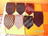 Gravatas usadas boas em bom estado
