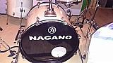Bateria acustica nagano garage semi-nova bumbo 20 acompanha pratos