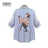 Camisa feminina xadrez e gueixa azul e branco com estampa no fundo cod. 248