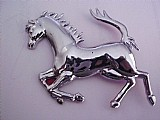 Emblema cavalo ferrari cromado le cod. 8102