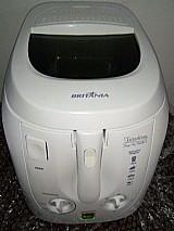 Fritadeira eletrica britania 3 litros, pouco uso