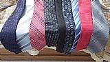 Gravatas usados em otimo estado