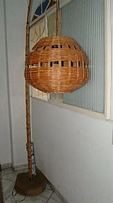 Luminaria de chao,  rustica madeira de lei  bambu artesanal lustre