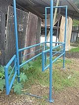 Tronco de contencao para equinos