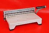 Encadernadora perfuradora   kit 100 capas e 100 espirais!!!
