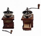 Moedor manual de graos de cafe em madeira