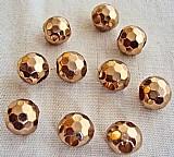 31 bolinhas de metal facetadas,   29 douradas e 2 niquel,   10mm