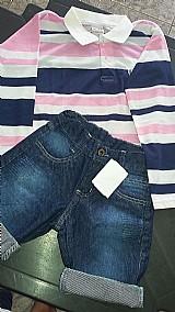 Conjunto camisa polo manga comprida e bermuda jeans com barra colorida