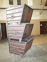 Caixa metalica para armazenagem de pecas ou sucatas