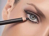Lapis de olho,  liner kajal - mac importado