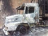 Caminhão queimado