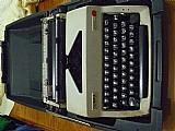 Maquina de datilografar olympia