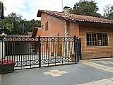 Casa ampla em condominio fechado