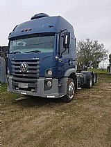 Volkswagen 17250 6x2 azul 2011