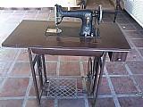 Maquina de costura com pedaleira piaff