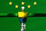 Bonequinho uniforme da selecao brasileira,  as 5 estrelas do penta dos mundiais ganhos pelo brasil