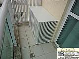 Caixas capas bancadas protecao split no chao da varanda