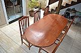 Mesa madeira macica 6 ou 8 lugares