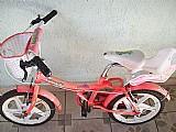 Bicicleta infantil usada. ac. cartao