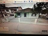 Vendo uma casa em joinville perto do centro