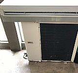 Ar condicionado split,  electrolux,  quente e frio, 30.000 buts,  220 v si30r